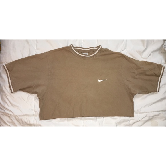 4903352a3bd3c Vintage 90's Nike raw hem crop top